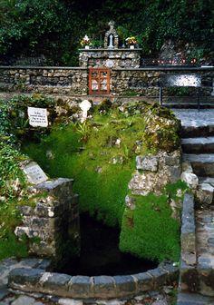 Tober Nault Holy Well, County Sligo, Ireland