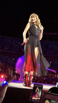 Taylor Swift Fan Club, Long Live Taylor Swift, Taylor Swift Videos, Taylor Swift Hot, Taylor Swift Pictures, Miss Americana, Taylor Swift Wallpaper, Bebe Rexha, Hailee Steinfeld