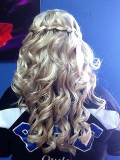 Half-up half-down curls