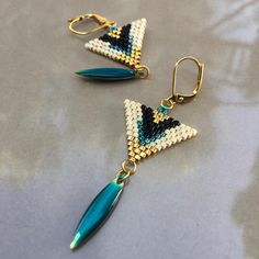 Emerald Earrings / Emerald / Emerald Cut Halo Earrings in Gold / Emerald Earrings Studs / Natural Emerald Earrings / Green Emerald - Fine Jewelry Ideas Bead Jewellery, Seed Bead Jewelry, Seed Bead Earrings, Diy Earrings, Beaded Jewelry, Hoop Earrings, Handmade Jewelry, Beaded Earrings Patterns, Jewelry Patterns