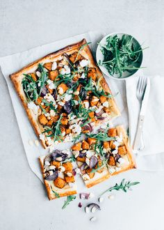 Plate cake with pumpkin and goat cheese - Good Healthy Recipes, Gourmet Recipes, Vegetarian Recipes, Healthy Diners, Food Porn, Vegan Main Dishes, Quiches, Food Inspiration, Love Food