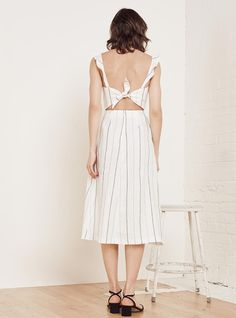 Loren Dress// #stripe #dress #MidiDress #TieUp #OpenBack #sleeveless #fashion #style #stylish #refbabe #reformation @reformation