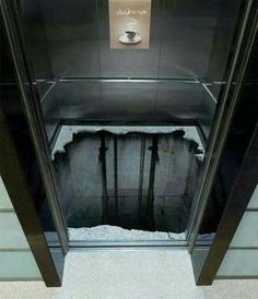 3D painting in an elevator