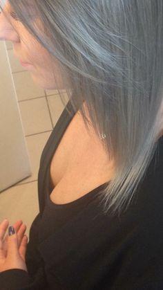 Srebrne włosy