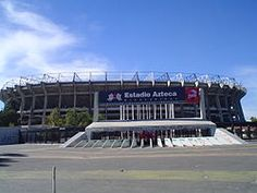 Estadio AZTECA -  México. Es uno de los estadios de mayor capacidad del mundo! si no él qué más....