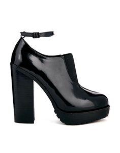 ASOS TRAFFIC JAM Shoe Boots