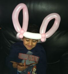 How to make a simple cute bunny ears balloon hat