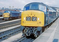 45051 (left) and centre headcode 45030 stand at Bristol Temple Meads on 11th March 1977. (Graham Smith)