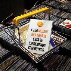 imaniabrasil  DOMINGOS: Shopping Center 3 - Av. Paulista, 2064 - Piso Augusta - São Paulo #shoppingcenter3 #center3 #domingo #avpaulista #avenidapaulista  SEGUNDA A DOMINGO: Loja Endossa, Rua Augusta, 1372 - São Paulo #endossa #avpaulista #vergonhanacara #remédio #ficaadica #pravcquetirafotodoimaenaocompra#geladeira #imaniabrasil #divertidos #ímãs #laranja #suametade #espremendo #amor