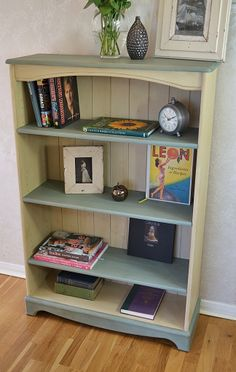 Add a country feel to your home with this small pine bookcase painted in Annie Sloan Old Ochre and Duck Egg Blue.