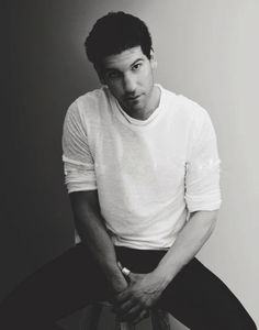 Jon Bernthal / The Walking Dead    http://www.tumblr.com/tagged/shane-walsh?before=1332126435