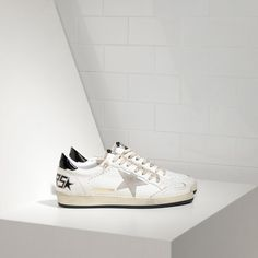 0a56472bf315 Sale Golden Goose Ball Star Sneakers In Leather With Suede Star shoes -  Golden goose GGDB Ball Star Mens Sale. Sneakers Sale · Golden Goose Pas Cher