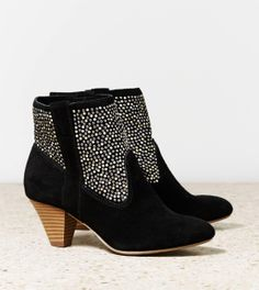 ae boots in black and silver!!! LOVE these shoes