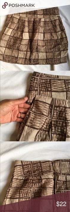 "Banana Republic Tribal Print Skirt with Pockets GUC: Brown and tan skirt with Pockets and zipper closure Length from waist to hem: 18"" Banana Republic Skirts Mini"