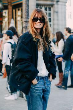 Street Looks at Paris Fashion Week Spring/Summer 2016 Denim Fashion, Love Fashion, French Fashion, Fashion Beauty, Mode Style, Style Me, Street Style Chic, Style Parisienne, Estilo Denim
