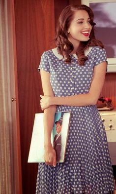 Cute casual dress with a 40's feel. Similar to Rachel McAdams signature gown from The Notebook by Nicholas Sparks