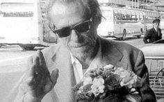"""EU QUERIA SER O CHARLES BUKOWSKI  RYNALDO PAPOY - Antes de querer ser o Charles Bukowski, eu queria ser o Jack Kerouac. Aos 27 anos, eu havia lido pela primeira de muitas vezes o """"On the road"""". Jack fez sua viagem aos 27 anos, após ser casado e ter publicado um livro. Pensei: tenho 27 anos, já fui casado e publiquei um livro. Eu sou Jack Kerouac. Peguei a estrada e fiquei quatro meses longe de São Paulo, vagando sem dinheiro pelo Brasil..."""