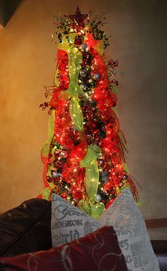 Tutorial on how to use deco mesh on christmas tree