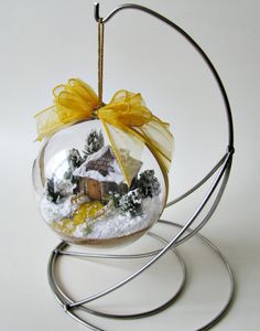 Another bauble with a wooden picket fence