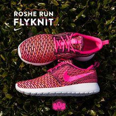 #nike #rosherun #nikeroshe #rosherunflyknit #flyknit #sneakerbaas #baasbovenbaas  Nike Roshe Run Flyknit - Now available online, priced at 129,99 Euro  For more info about your order please send an e-mail to webshop #sneakerbaas.com!