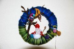 felt Sinterklaas wreath...@Lindsay Dillon Van Horssen I should make this for next year!