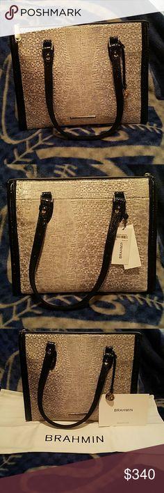 20 Best Poshmark images   Bags, Closure, Crossbody bags e912418e64