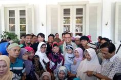 Warga Korban Penggusuran Bukit Duri Temui Gubernur Anies