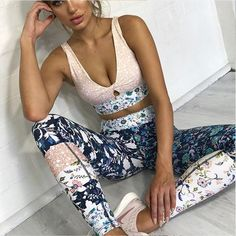 New Floral Print 2 Piece Tracksuits Women Fitness Clothing Sportswear Sets Sexy Tank Bra Tops And Sporting Leggings Workout Suit Yoga Outfits, Womens Workout Outfits, Sporty Outfits, Beach Outfits, Rave Outfits, Club Outfits, Mode Des Leggings, Tops For Leggings, Leggings Are Not Pants