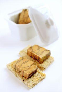 La Cuisine de Bernard: Le Foie Gras (quatrième méthode) aux quatre epices. servir avec une compote d'oignons ou de figues