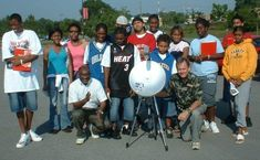 Small and cheap radio astronomy projects for students Radio Astronomy, Space Photography, A Classroom, Solar System, Telescope, Science, Teaching, Activities, Students