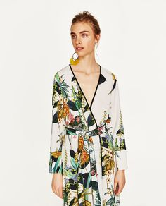 Image 4 of LONG PRINTED KIMONO from Zara