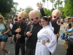 Princess Leia with the Modal Nodes, Star Wars Weekends 2013.