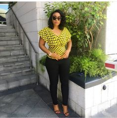 Below are 40 cool ways of how curvy ladies Rocks their Ankara Tops and jeans outfit. The styles that you'll go for will depend on your choice, what fits your body better and the type of jean cut you're pairing you Ankara top with. Many of the women in these images go for cape blouses,…