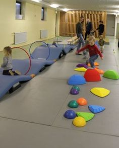 Picture result for children's gymnastics - Sport - Education Gross Motor Activities, Gross Motor Skills, Kindergarten Activities, Toddler Activities, Kids Gym, Exercise For Kids, Physical Education Games, Physical Activities, Physical Play