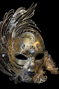 mask of Venice Venetian Carnival Masks, Carnival Of Venice, Fantasy, Costume Venitien, Venice Mask, Cool Masks, Beautiful Mask, Masquerade Party, Masquerade Masks