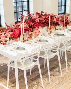 30 Rose Centerpieces That Will Upgrade Your Reception Tables – Wedding Centerpieces Classic Wedding Flowers, Winter Wedding Colors, Floral Wedding, Autumn Wedding, Summer Wedding, Peonies Wedding Centerpieces, Wedding Bouquets, Wedding Decorations, Centerpiece Flowers
