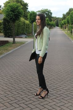 GorisHelena // fashion beauty and lifestyle blogger // strappy heels // neon vest jacket blazer // summer eve's // ootd ootn // spring summer fall outift