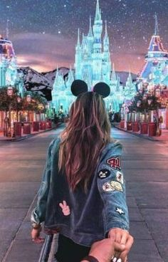Minnie Style & Disney Outfit Ideas & Disney Shirts & Disney Style & Disneyland Outfits Minnie Style & Disney Outfit Ideas & Disney Shirts & Disney Style & Disneyland Outfits The post Minnie Style Disney Parks, Disney Mode, World Disney, Disney Outfits, Disneyland Outfits, Disney Shirts, Hongkong Disneyland Outfit, Disneyland Outfit Summer, Disneyland Shirts