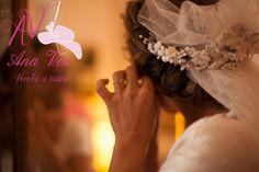 Tocados Ana Vez Tocados de Novia realizados en porcelana fria, diseño exclusivo de flores realizadas a mano. Diseños y creaciones para novias en diferentes materieles. Pide tú presupuesto.