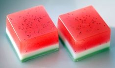 Easy to follow melt and pour soap tutorial! These watermelon soaps are really easy to make, and look and smell amazing