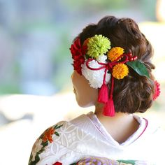 日本のヘアメイク Skin Makeup … – From Parts Unknown Banquet, Kimono Japan, Japanese Kimono, Wedding Kimono, Hair Arrange, Japanese Hairstyle, Bridal Hair Flowers, Ballroom Dress, Hair Ornaments