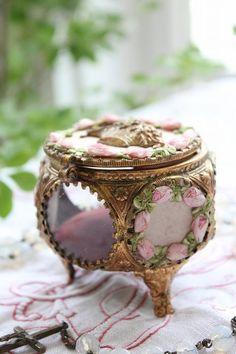 French antique jewlery box