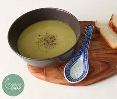 Deze heerlijke romige courgettesoep: ✓ Zet je in een handomdraai op tafel ✓ Kun je invriezen voor een gezonde werklunch of makkelijke maaltijden!