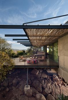 Image 1 of 29 from gallery of House Gauché / Earthworld Architects & Interiors. Courtesy of Earthworld Architects & Interiors Exterior Design, Interior And Exterior, Modern Interior, Outdoor Spaces, Outdoor Living, Outdoor Kitchens, Casas Containers, Bungalows, Interior Architecture