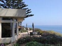 VRBO.com #388040 - Designers' Mesa Beach Cottage Steps Away from Leadbetter Beach (29 Night Minimum