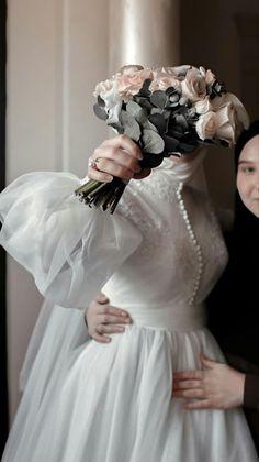 Plain Wedding Dress, Pretty Wedding Dresses, Wedding Dress Sleeves, Beautiful Dresses, Muslimah Wedding Dress, Muslim Wedding Dresses, Bridal Dresses, Hijab Dress Party, Bridal Hijab