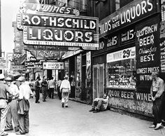 Skid Row -- love the dilapidated signs, but this image is a little too busy and not depressing enough Chicago Bars, Chicago City, Chicago Illinois, Chicago Style, Old Photos, Vintage Photos, Vintage Stuff, Chicago Pictures, Chicago Neighborhoods