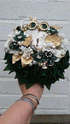 Geek Wedding, Our Wedding, Dream Wedding, Wedding Ideas, Harry Potter Wedding, Harry Potter Theme, Slytherin, Emerald Green Weddings, Alternative Bouquet