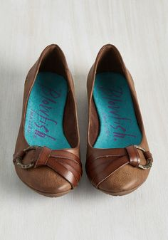 Prove that one does simply walk in style by sporting these faux-leather flats. With a strappy toe to rule all accents, a chocolate hue to find your perfect color, and a metallic O-ring to bring your look together, this precious pair by Blowfish boasts details that you'll always hold dear.