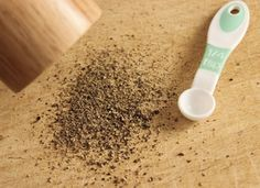 Homemade cleaning supplies - Black Pepper Will Change How You Do Laundry Forever – Homemade cleaning supplies Doing Laundry, Laundry Hacks, Laundry Room, Laundry Area, Cleaning Solutions, Cleaning Hacks, Laundry Solutions, Homemade Cleaning Supplies, Soap Nuts